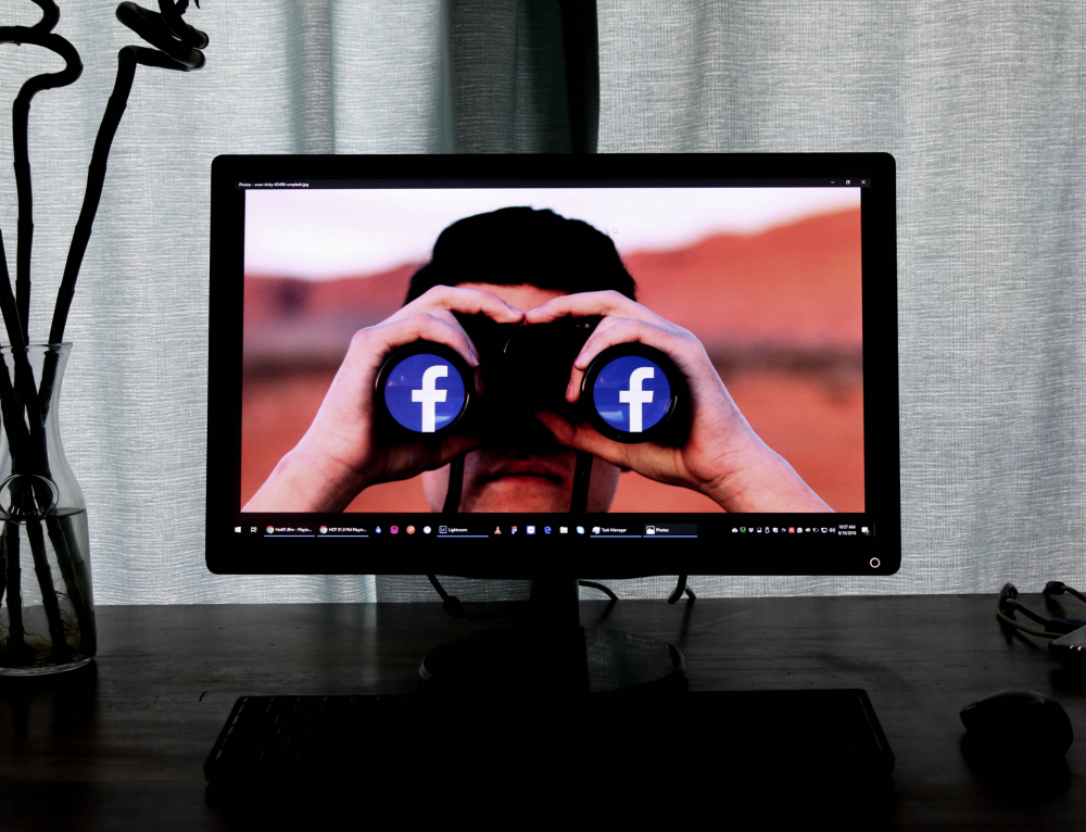 Facebook banned hundreds of groups of American far-rightists